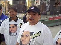 Ramon Rodriguez (centre)