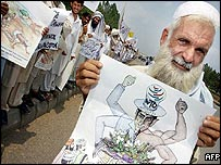 An elderly Pakistani protests over US policy