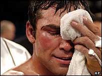 AP: Oscar de la Hoya