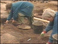 Excavating at the Roman iron factory at Brayford