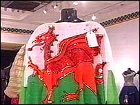 The Welsh flag dress