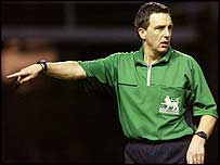 Referee Alan Wiley