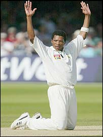 Makhay Ntini soaks up the applause