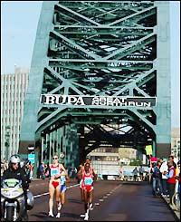 Paula Radcliffe leads the women's race