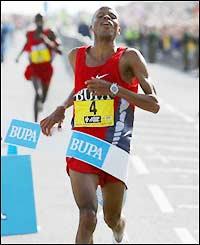 South Africa's Hendrik Ramaala wins the men's race