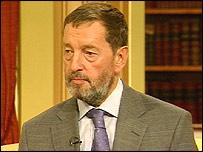 David Blunkett, ministro del Interior de Gran Bretaña