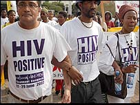 Zackie Achmat (l) and other South African Aids activists