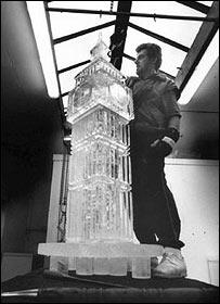 Duncan Hamilton sculpting Big Ben in ice