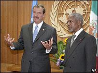 Presidente Vicente Fox junto al Secretario General Kofi Annan.