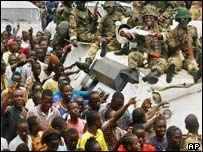 Liberians greet Nigerian troops