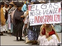 Ind�genas bolivianos protestan contra la venta del gas.