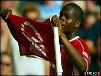 Nottingham Forest's Marlon Harewood celebrates his goal against Sunderland