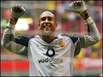 Tim Howard saved twice in the penalty shoot-out