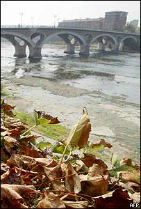 The bed of Garonne River in Toulouse, south-western France
