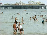 UK heatwave, Brighton beach