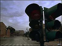 Failed traffic lights in Rome