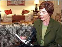 Mrs Bush makes radio address
