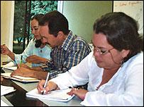 Discutiendo proyectos en BP, Casanare, Colombia