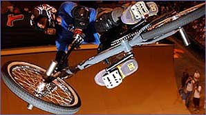 American BMX legend Dave Mirra in action at the 2003 X-Games (copyright: Shazamm/ESPN)