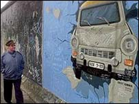 East Side Gallery, biggest section of wall still standing