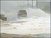Car caught in hurricane   BBC