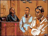 Хемант Лахани (справа) и Мойнуддин Ахмед Хамид в суде