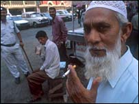 Man smokes in Calcutta