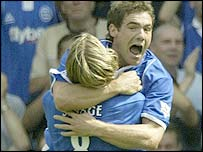 David Dunn celebrates his debut goal for Birmingham against Tottenham with Robbie Savage