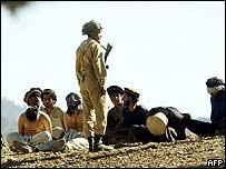 Pakistani guard with captures al-Qaeda suspects in South Waziristan