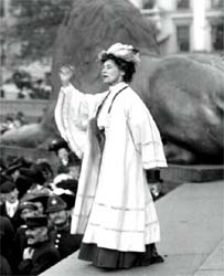 Mrs Pankhurst rallying supporters in Trafalgar Square