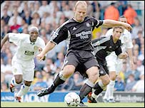 Alan Shearer's penalty gave Newcastle the lead at Elland Road