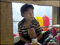 Ni�o trabajador en El Salvador.