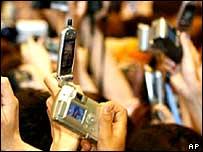 Digital cameras versus mobile phone cameras
