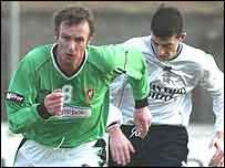 Michael O'Neill signed for Glentoran from Clydebank last season