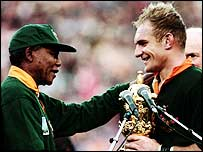 Nelson Mandela handed the trophy to Francois Pienaar after South Africa's 1995 triumph.