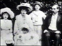 The baby Lady Alice Montagu Douglas Scott (front)