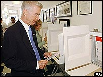Gray Davis casts his vote