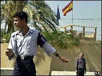 Iraqi police outside Spanish embassy