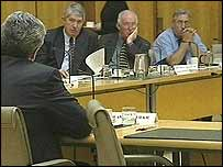 Intelligence expert Andrew Wilkie speaking to the committee on 22 August