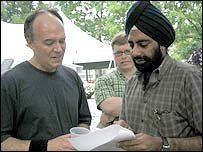 Dr Chirinjeev Kathuria with Senator Peter Fitzgerald