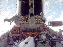 Foale (left) on a space walk to repair the Hubble Space Telescope (Nasa)