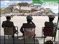 Chinese police in Tibet