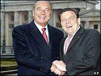 Jacques Chirac (l) and Gerhard Schroeder
