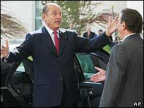 Schroeder welcomes Chirac to Germany