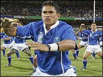 Captain Semo Sititi leads Samoa in their pre-match ritual, the Manu Sivi Tau