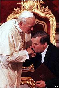 El Papa con  el presidente de Polonia, Lech Walesa, en 1991.