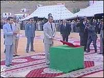 King Mohammed VI launching the housing project