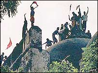 Hindus at Babri Mosque in 1992