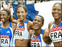Sylviane Felix, Christine Arron, Patricia Girard and Muriel Hurtis celebrate gold