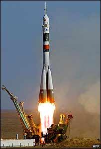 Russian Soyuz TMA-3 rocket blasts off from Kazakhstan, 18 October 2003
